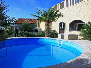Beautiful 3 bedroom Condo in Splitska - Splitska vacation rentals