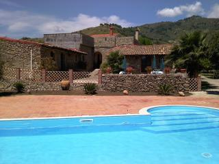 4 bedroom Farmhouse Barn with A/C in Calatabiano - Calatabiano vacation rentals