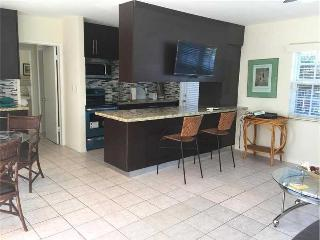 Spacious one bedroom apartment - Fort Lauderdale vacation rentals