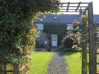 Middle Barn a family & pet friendly luxury cottage - Embleton vacation rentals