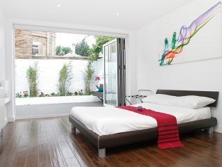 Flat 2, Iffley Road - London vacation rentals