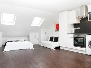 Flat 5, Iffley Road - London vacation rentals