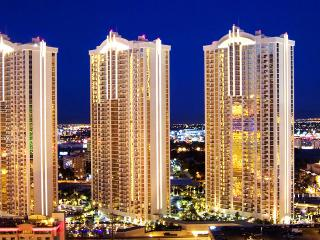 LUXURY 1BR/2BA SUITE/BALCONY VIEW AT MGM - Las Vegas vacation rentals