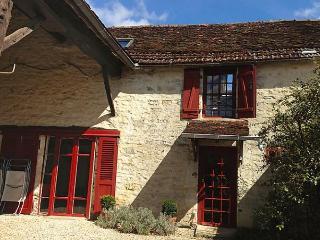 Chez Milou - Tanlay vacation rentals