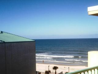 OCEAN VIEW STUDIO AT THE WORLD'S MOST FAMOUS BEACH - Daytona Beach vacation rentals