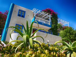 Bright 2 bedroom Hersonissos Apartment with Internet Access - Hersonissos vacation rentals
