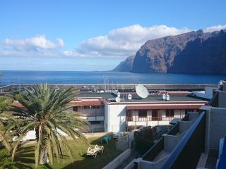 The ideal apartment for your beach vacation - Acantilado de los Gigantes vacation rentals