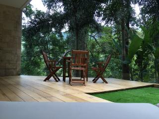 Beautiful 1 bedroom Bang Tao Beach Condo with Deck - Bang Tao Beach vacation rentals