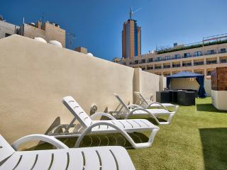 Central, St Julians Apt with own roof terrace - Saint Julian's vacation rentals