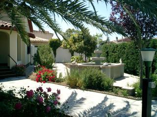 Villa Primavera - Apartment Ponente - Villa San Pietro vacation rentals