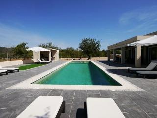 Moderne Villa mit 16mtr. Pool - Ibiza vacation rentals