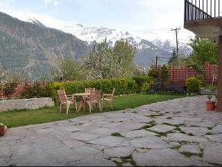 Himachal Valley's Manorama Cottages - Manali vacation rentals
