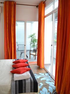 Romantic 1 bedroom Condo in Mount Lavinia - Mount Lavinia vacation rentals