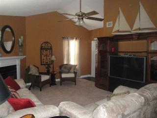Charming 2 Bdrm/2 Bath Condo in Gated Community - Charleston vacation rentals