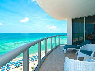 SPECIAL APRIL 20 - 26 - 2BR Oceanfront w/Balcony & Kitchen - AVAILABLE TODAY - Sunny Isles Beach vacation rentals