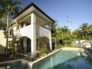 Platinum - Trinity Beach - Three Bedroom Apartment - Cairns vacation rentals