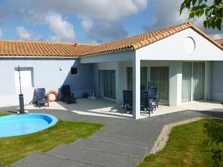 Villa Acacia 4P shared pool - Les Sables-d'Olonne vacation rentals