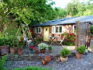 Charming stone cottage in Quantocks and Exmoor - Stogumber vacation rentals