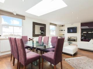 Luxury 2 Bdr/ 2 Bath Kensington House - London vacation rentals