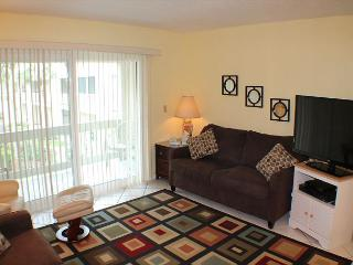Ocean/Pool View Condo at Four Winds, Flat Screens, WIFI, Balcony, 2 Pools - Saint Augustine vacation rentals