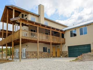 The Pecos Lodge - sleeps 18, close to Nat`l Parks - Long Valley Junction vacation rentals