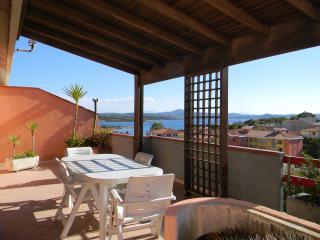 Attico LA MADDALENA vista mare - La Maddalena vacation rentals