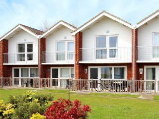 Clifftop Villa - 47 Waterside Park, Corton - Corton vacation rentals