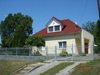 Nice House with Deck and Internet Access - Balatonszemes vacation rentals