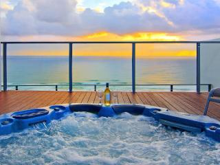 Broadbeach Penthouse with roof top spa - Broadbeach vacation rentals