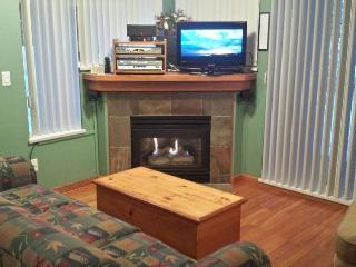 Stoney Creek Sunpath: Central Townhouse in Whistler Village, Hot Tub, Pool - Whistler vacation rentals