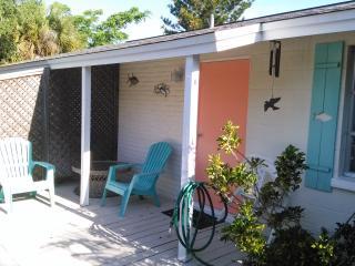 Dolphin Duplex (parliamo l'italiano) - Holmes Beach vacation rentals
