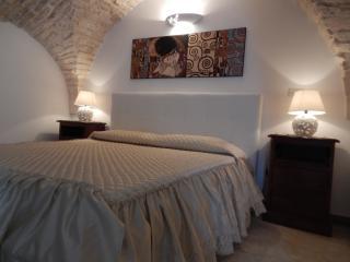 "Romantica ""Casa degli Artisti"" - Martina Franca vacation rentals"