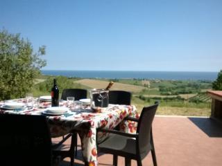 Appartamento Magico Panorama San Costanzo - San Costanzo vacation rentals