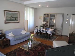 Comfortable 2 bedroom Bolzano Apartment with Internet Access - Bolzano vacation rentals