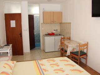 Omiš A3 (2+1) - Omis vacation rentals