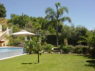 Hollydais Villa  - Sierra Blanca Country Club - Istan vacation rentals