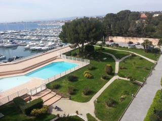 Exceptionnel appartement 100m², pieds dans l'eau - Saint Raphaël vacation rentals