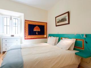 Lemon Blue Apartment, Alfama, Lisbon - Lisbon vacation rentals
