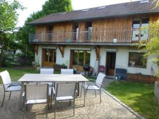 Maison de ville très proche Annecy - Cran-Gevrier vacation rentals