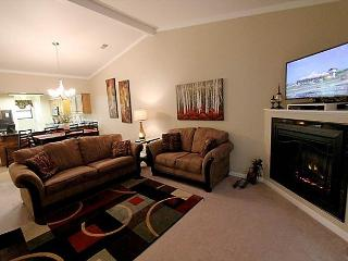 Masterpiece Retreat- Updated 2 bedroom/ 2 bath condo located at The Foothills - Branson vacation rentals
