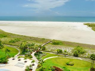 Eye-catching beachfront condo w/ heated pool & spellbinding ocean views - Marco Island vacation rentals