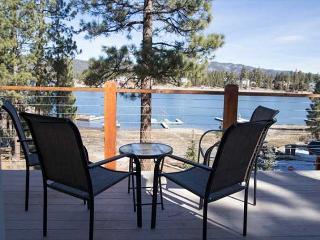 \PRIVATE BOAT DOCK!   LAKEFRONT!   HOT TUB,  FIREPLACE! VIEWS! - Big Bear Lake vacation rentals