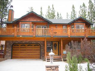 5 STAR! BEAUTIFUL BRIGHT! HOT TUB!  Game Room! CLOSE to LAK - Big Bear Lake vacation rentals