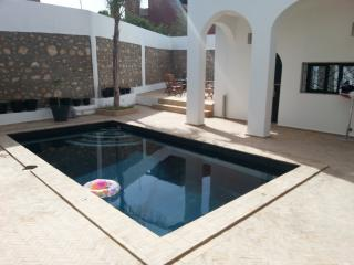 RIAD piscine chauffée, JACUZZI, vue océan, 10 pers - Tamrhakht vacation rentals