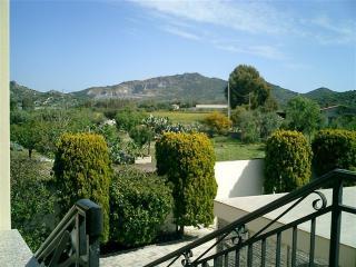 Villa Primavera - Apartment Mansarda - Villa San Pietro vacation rentals