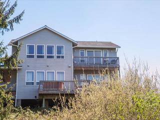Spectacular Ocean Views and Sparkling Charm - Depoe Bay vacation rentals