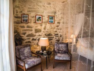 Le Kiwi at Mas Saint Antoine - Rognonas vacation rentals