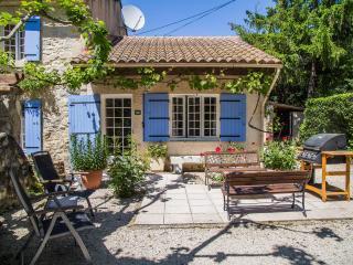 Mas Saint Antoine - Le Mas - Rognonas vacation rentals