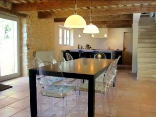 Delightful  Historic Stone Mas in Provence, Near Uzès, Sleeps 8 - Uzes vacation rentals