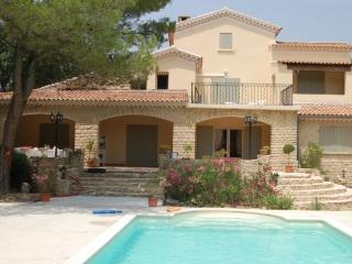 Belle villa de style provençal à côté de Bedoin - Crillon-le-Brave vacation rentals